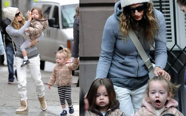 Sarah Jessica Parker passeia com as filhas, Tabitha e Marion