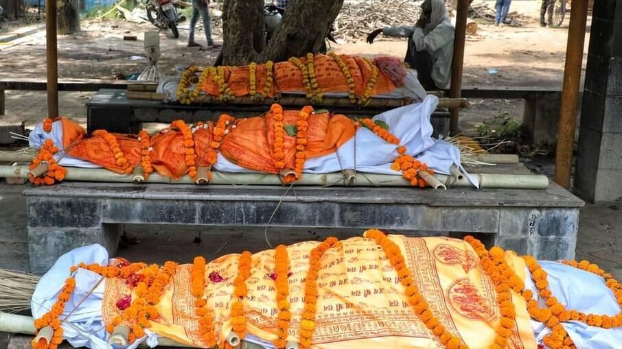 Espera por local de cremação aumentou muito na capital Lucknow