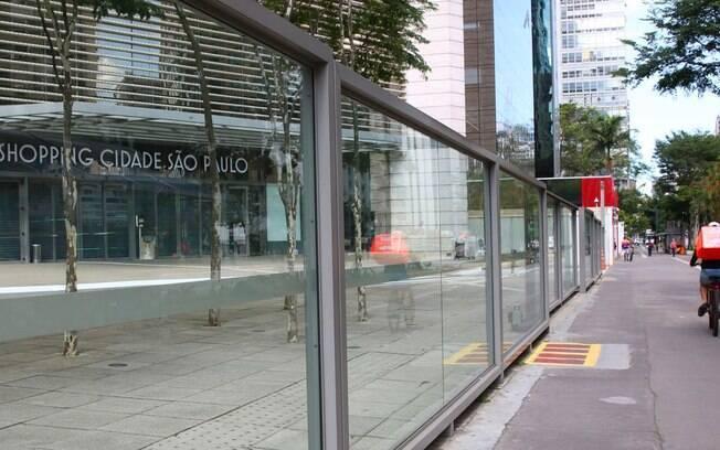 Na cidade de São Paulo, que está na Fase 4, shoppings centers podem funcionar por 4 horas; cinemas e praça de alimentação devem permanecer fechados
