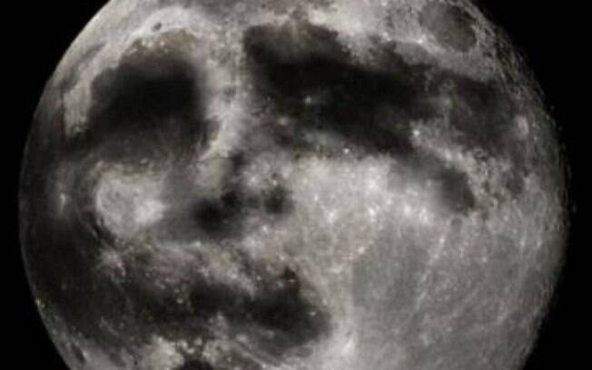 Pesquisa mostrou que a poeira criou 'redemoinhos' na superfície, o que gerou a ilusão de que se tratava de um rosto, na Lua