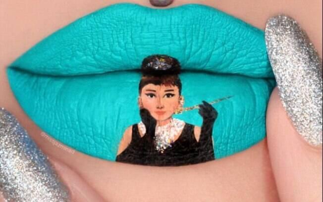 Bonequinha de Luxo foi bem representada nos lábios de Jazmina