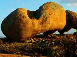 Pedras de granito do Lajeto de Pai Mateus impressionam por sua forma arredondada