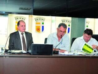 Déficit.  Prestação de contas da prefeitura foi apresentada na Câmara pelo secretário da Fazenda