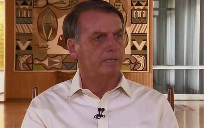Presidente disse que não obstruiu investigação e que apenas pegou vídeos feitos pelo filho Carlos
