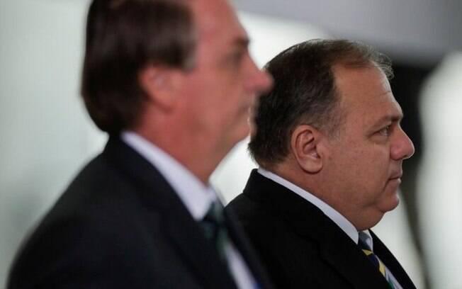 CPI da covid: 10 elogios de Bolsonaro a Pazuello, que presta depoimento mais aguardado