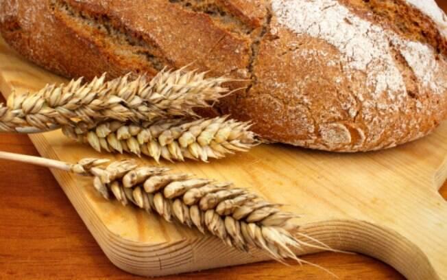 O glúten está presente em alimentos à base de trigo, aveia, centeio e cevada
