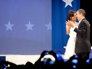 Michelle e Barack em um dos bailes inaugurais do primeiro mandato, em 2008: cumplicidade