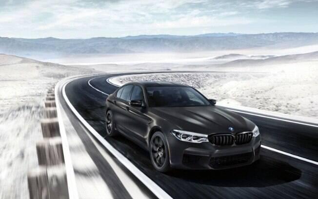 BMW M5 de edição comemorativa enaltece o espírito esportivo do sedã que já traz mais exclusividade