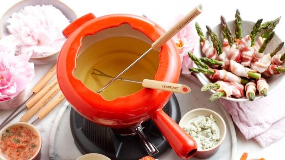 Le Creuset publicou um guia completo para o fondue