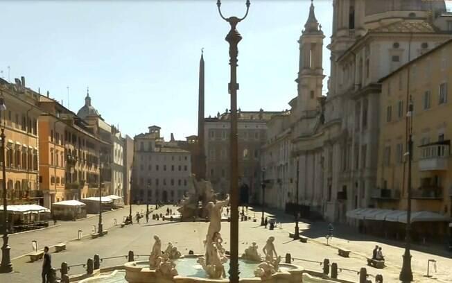 Câmeras de rua mostram Roma quase sem ninguém após início de quarentena na Itália