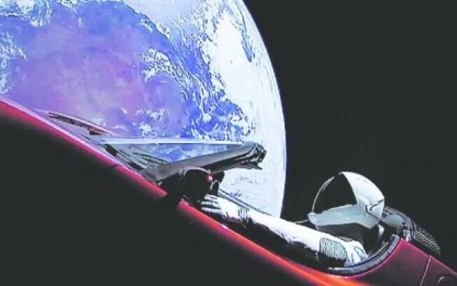 Carro Tesla no Espaço