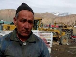 Mirza Hussain diz que, se não tivesse ajudado a destruir as estátuas, teria sido morto pelo Talebã