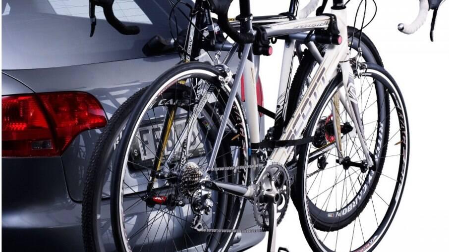 Suporte de bicicletas pode exigir uso de régua de sinalização, com luzes e placa adicionais