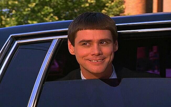 Após cortar cabelo, Amyleigh foi comparada ao personagem de Jim Carrey no filme 'Debi & Loide - Dois Idiotas em Apuros'
