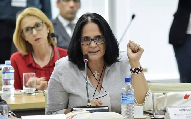 Damares Alves encaminhará a proposta ao Congresso no dia 1º de fevereiro