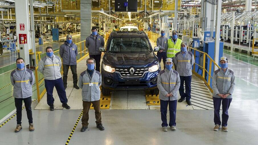 Renault Alaskan fabricada na Argentina ainda poderá ser trazida ao Brasil depois de muitas idas e vindas