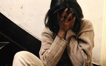 Uma mulher é violentada a cada 11 minutos no Brasil, indica estudo