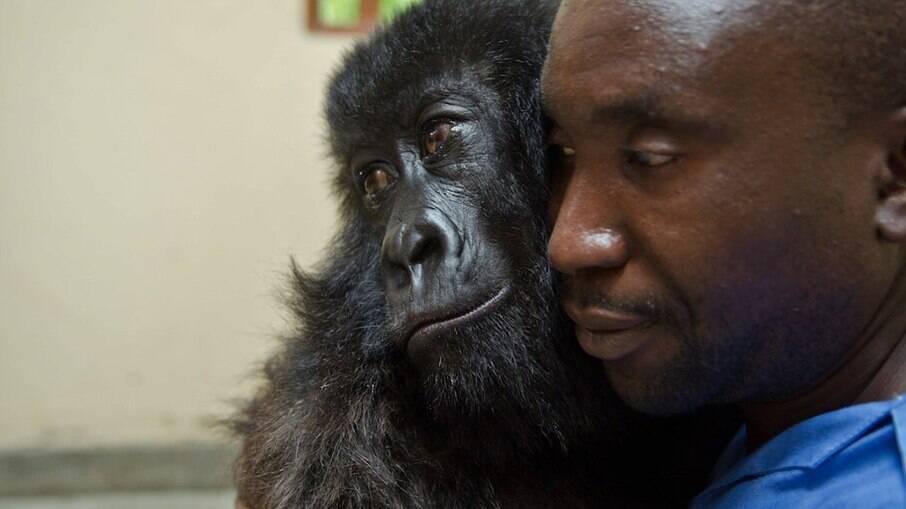 Kdakasi faleceu aos 14 anos nos braços de seu melhor amigo, o zelador Andre Bauma