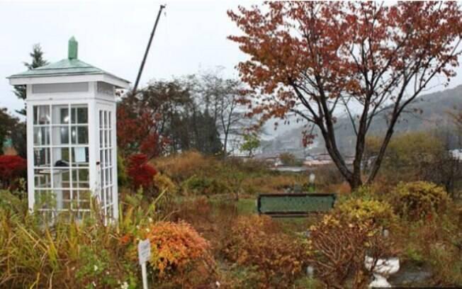O jardim de Sasaki não está muito longe da cidade que ainda está sendo reconstruída devido ao tsunami
