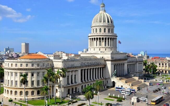 Assembleia Nacional do Poder Popular de Cuba aprovou nova Constituição de Cuba que agora passará por referendo popular antes de ser sancionada