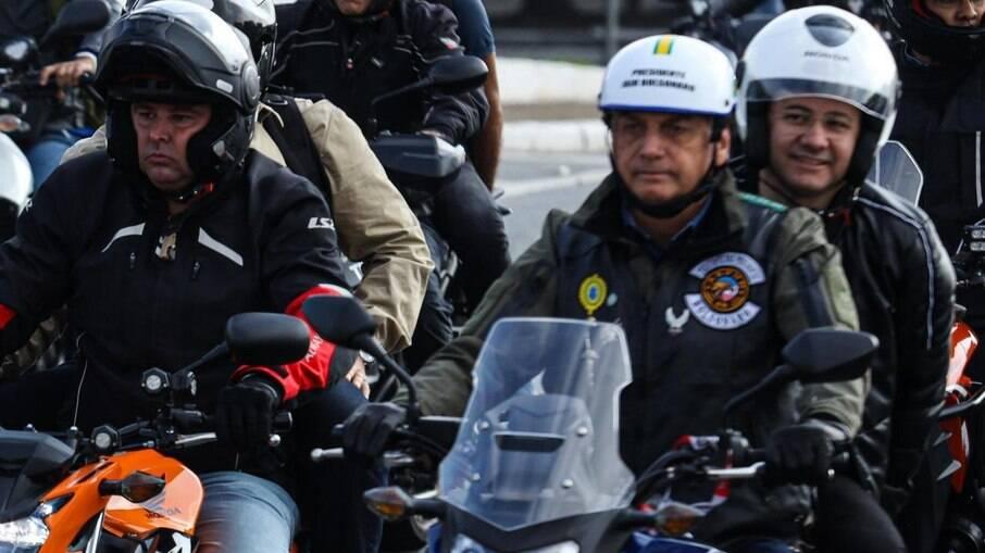 Presidente Jair Bolsonaro (sem partido) participou de 'motociata' na capital paulista neste último final de semana