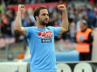 Atacante argentino autor de três gols valorizou a vitória do Napoli
