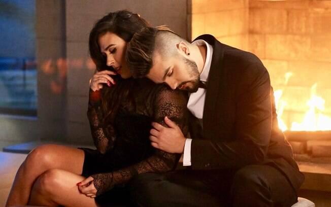 Tatá Werneck e Luan Santana formam par romântico e bem humorado em vídeo clipe