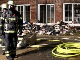 Jornal de Hamburgo que publicou charge é incendiado