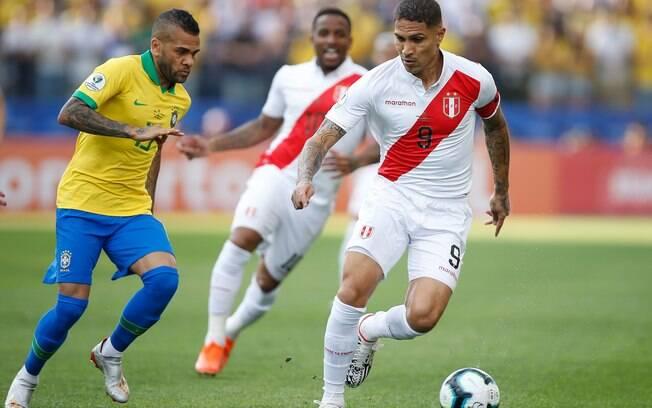 Guerrero mal tocou na bola