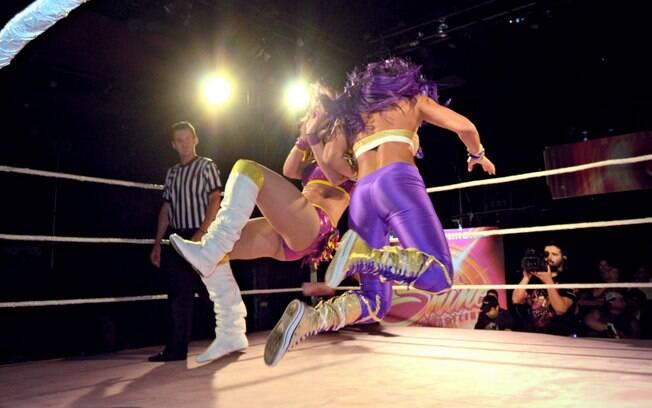 Gabi Castrovinci venceu Santana Garrett no Shine Wrestling. Foto: Divulgação