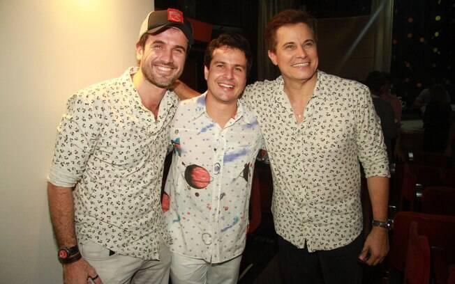 Eriberto Leão cumprimenta os amigos Edson Celulari e Pedro Garcia Neto