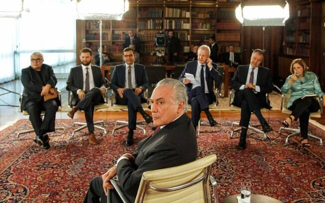 Presidente Michel Temer é entrevistado pelo programa Roda Viva