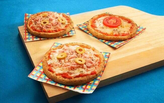 Pizza sem glúten é feita com grão-de-bico e farinha de aveia e pode levar diversos recheios