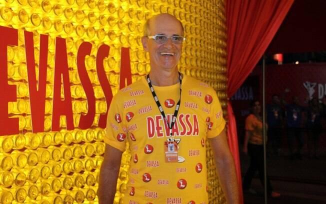 Marcos Caruso curtiu os desfiles da Sapucaí no camarote da Devassa