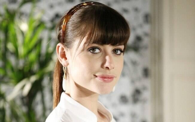 Alinne Moraes como Silvia em