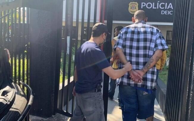 Cremesp investigará laudo médico falso para fura-fila da vacina em Campinas