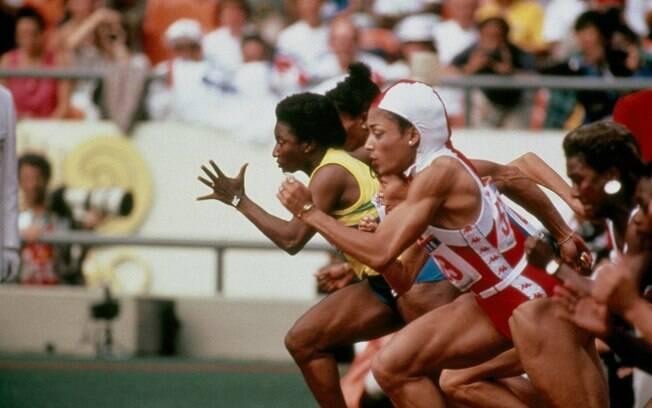 950bcf73a Florence Griffith-Joyner usou um uniforme com capuz nas Olimpíadas de Seul