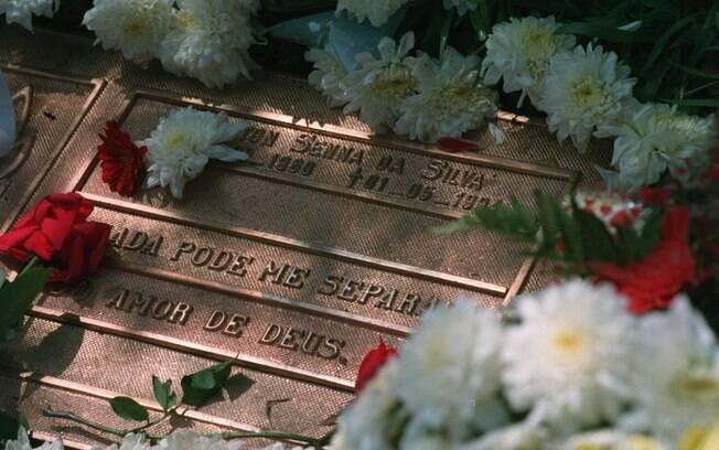 Túmulo de Ayrton Senna no cemitério do Morumby, em São Paulo. Foto: Mike Hewitt/Getty Images