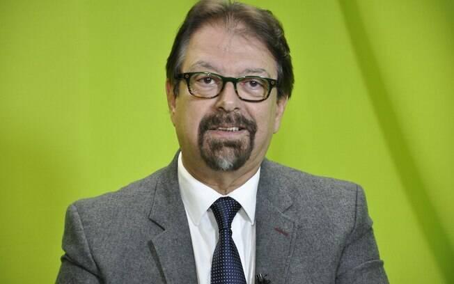O jornalista Florestan Fernandes Júnior usou as redes sociais para comentar briga entre Bolsonaro e Rede Globo.