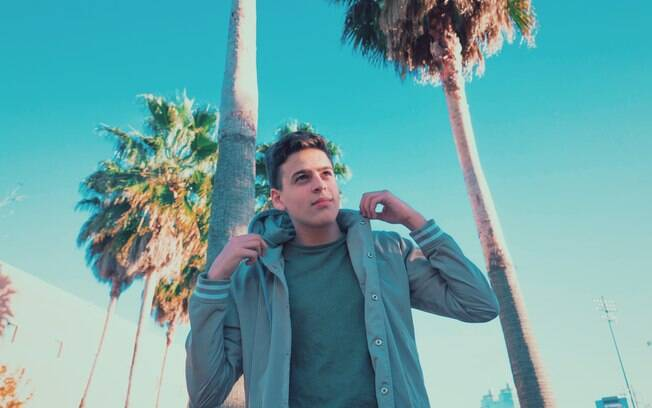 JonVlogs, o youtuber do moment,o virá de Orlando fará shows no Brasil partir de abril