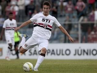 Promovido aos profissionais do São Paulo em 2012, volante vinha tendo poucas oportunidades no time principal