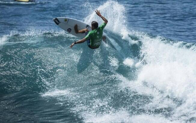 Bino Lopes foi campeão brasileiro de surfe em 2015