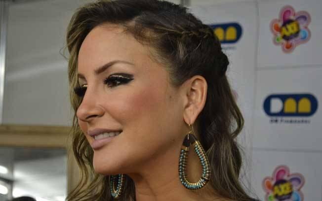 Claudia Leitte se apresentou no Axé Brasil nesse sábado (14), em Belo Horizonte