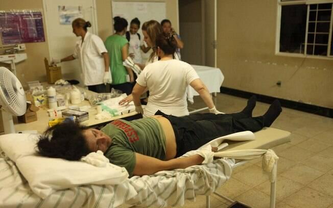 Pessoas são socorridas na policlínica de Santa Rita Durão, distrito próximo a Bento Ribeiro