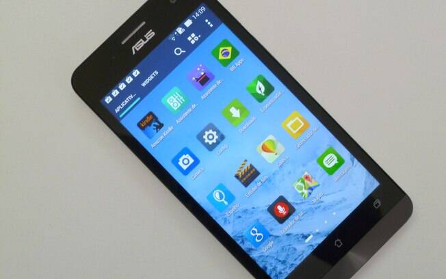 Zenfone 5 roda Android KitKat 4.4