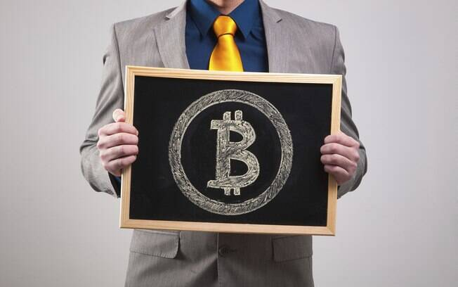 Uso de bitcoins e demais moedas digitais fez com que o Banco Central e a CVM emitissem comunicado alertando o mercado sobre o uso das mesmas; veja