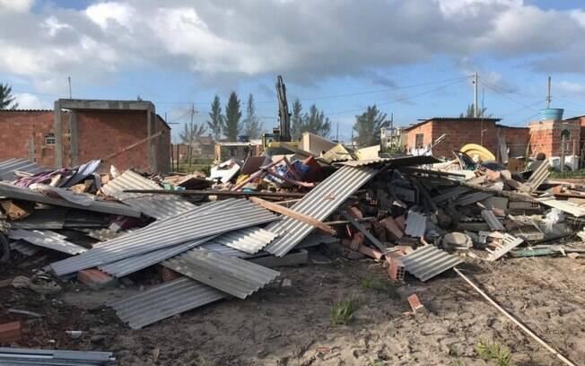 Mais de 100 casas foram demolidas