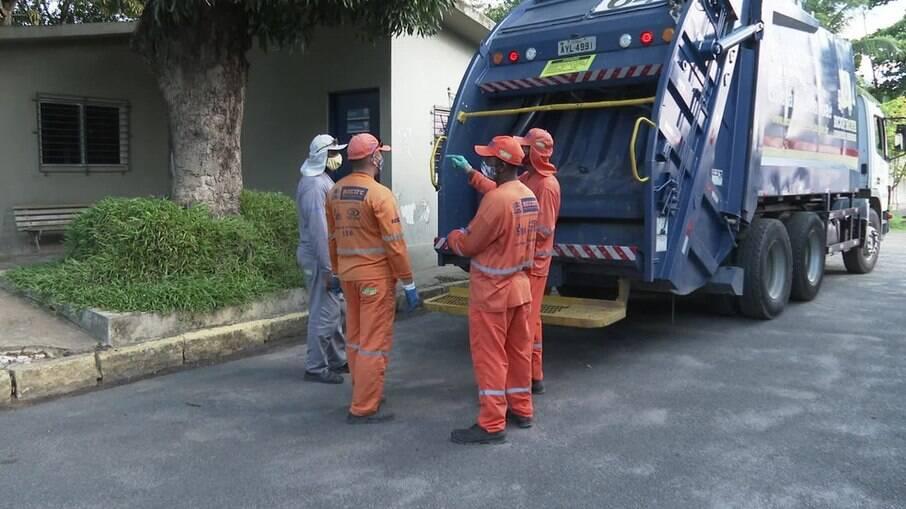 Garis conseguem localizar pacote com quantia de dinheiro em Recife