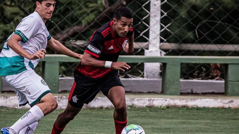 Filho de Beto assina contrato profissional com o Flamengo