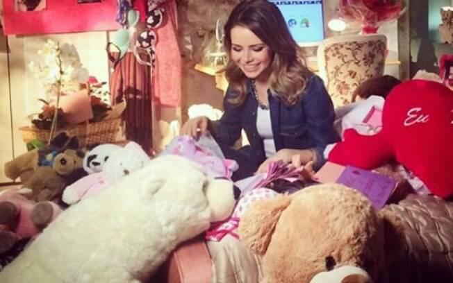 Alguns seguidores chegaram a imaginar que o brinquedo de menina, na foto de Lucas, pode ser da cantora Sandy